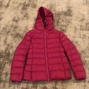 Uniqlo puffer rain jacket in pink. Brand new